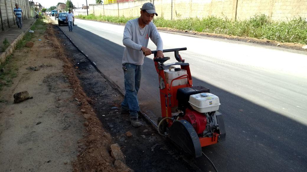 Prefeitura começa semana com equipes de asfaltamento no Juca Rosa 2