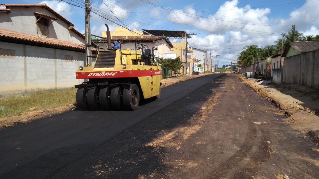 Prefeitura começa semana com equipes de asfaltamento no Juca Rosa 3