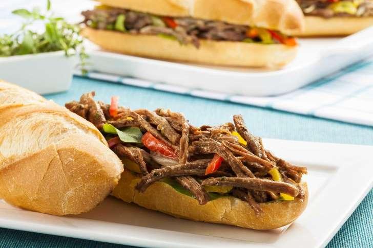 Sanduíche de Fraldinha é excelente opção para o final do mês; aprenda 1