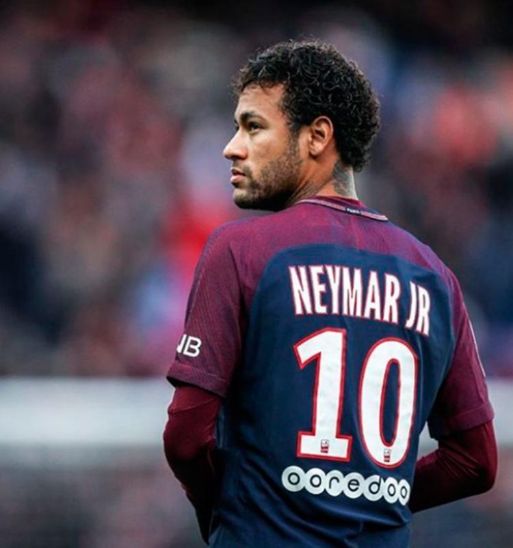 Francês prepara biografia de Neymar: 'Tem 26 anos, mas parece adolescente' 1
