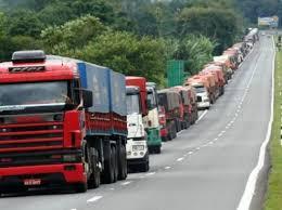 Caminhoneiros ameaçam nova greve se tabela de preços mínimos de frete for alterada 1