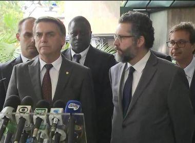 'Prefeitos demitiram outros médicos para contratar cubanos', diz Bolsonaro 1