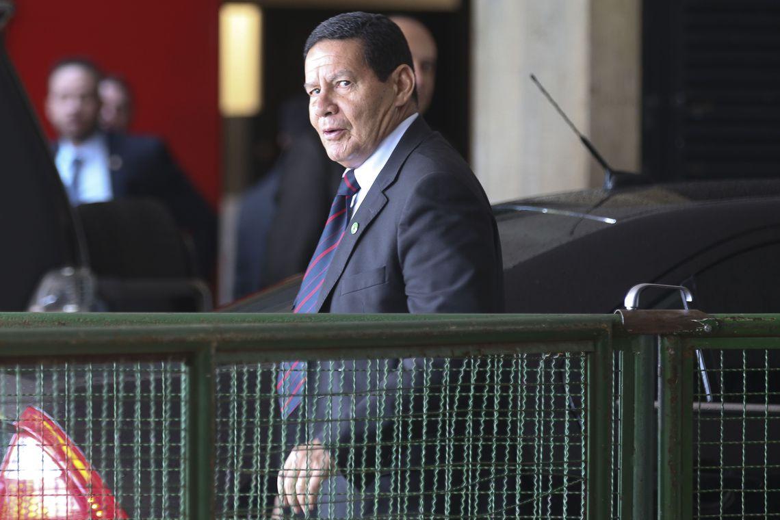 General Mourão assumirá a presidência por 9 dias em janeiro 1