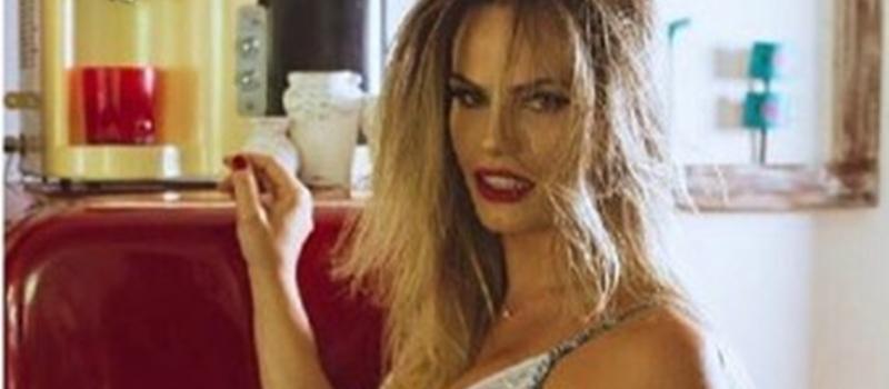 Ex-BBB posa nua em ensaio sensual e dispara 'nua, crua e sem photoshop' 1