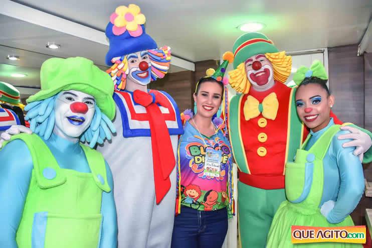Atração infantil e programação variada atraem multidão no segundo dia de Carnaval Oficial em Porto Seguro 2