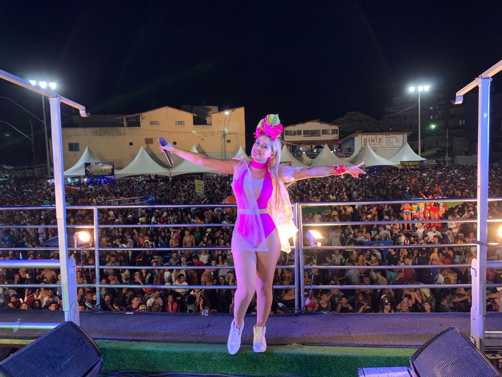 Katrina arrasta multidão no Carnaval de Guriri (São Mateus-ES)