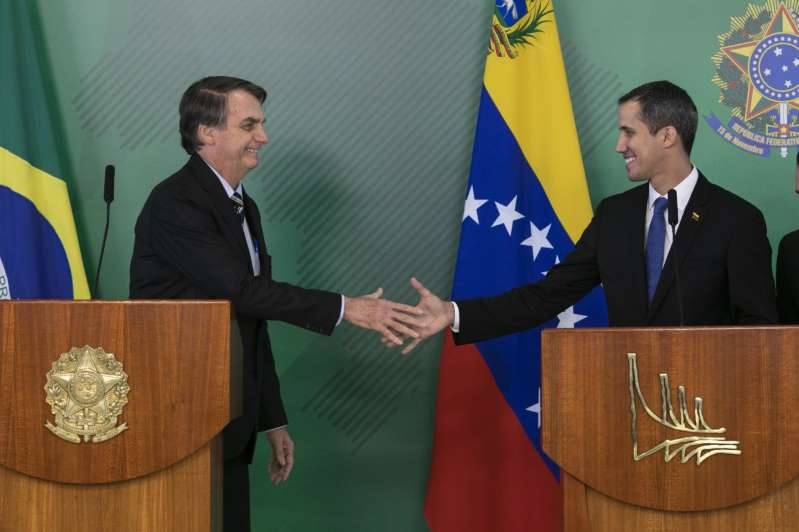 Bolsonaro reúne-se com Guaidó e culpa PT por situação da Venezuela 1