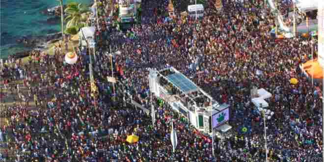 Banda gospel envergonha evangélicos e faz show no carnaval de Salvador 1