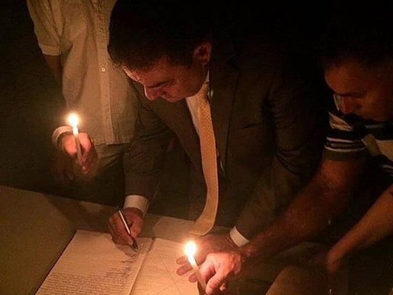 Prefeitos tomam posse à luz de velas após corte de energia em prefeituras na Paraíba 45