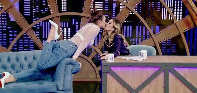 LADY NIGHT Marquezine revela como foi o primeiro beijo e diz que quase desistiu de ser atriz 36