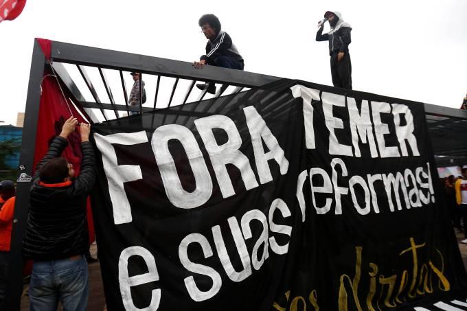 Após protestos, Temer diz que governo seguirá tocando reformas 24