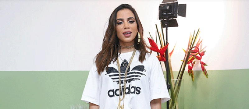 Fãs acusam Anitta de usar play back durante show em Salvador 39
