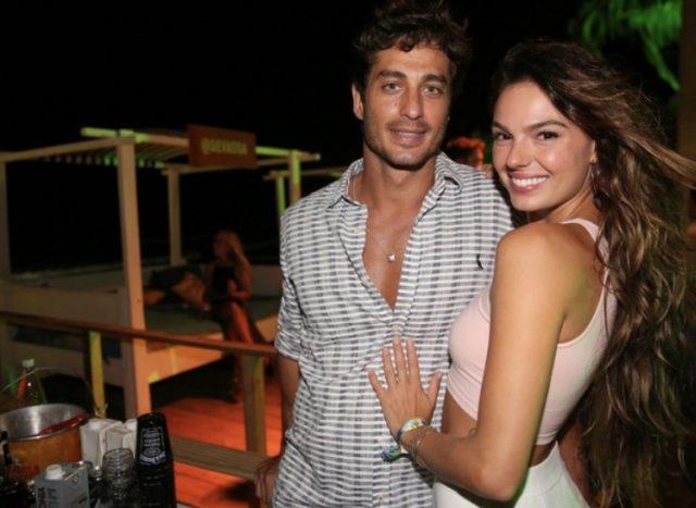 Foto ousada de Isis Valverde com namorado na web choca fãs e repercute 34
