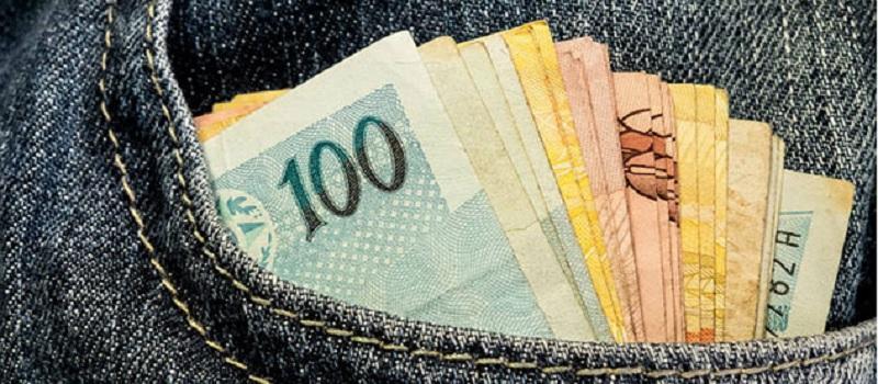 Pagamento do décimo terceiro deve injetar R$ 200 bilhões na economia 24
