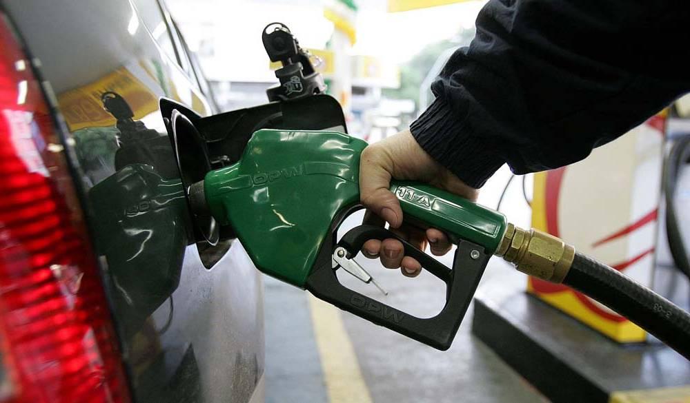 Petrobras anuncia alta na gasolina e preço sobe 7% em dois dias 19