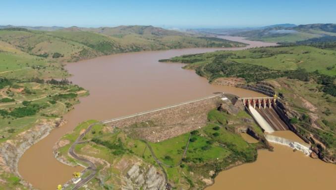 Usina Hidrelétrica de Itapebi emite aviso de abertura de comportas 27