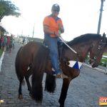 Devinho Novaes leva milhares de foliões ao delírio na 29ª Festa do Cavalo 90