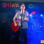 Kaio Oliveira e Petra animam o domingão no Drink & Cia 102