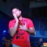 Kaio Oliveira e Petra animam o domingão no Drink & Cia 107