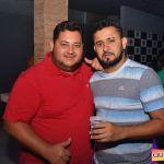 Kaio Oliveira e Petra animam o domingão no Drink & Cia 99
