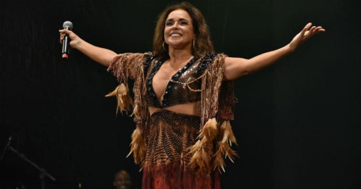 """""""Sem demônios ninguém vive"""" diz Daniela Mercury durante show e assusta fãs 39"""