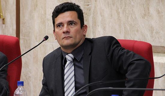 Moro deve aceitar ser ministro do STF caso Bolsonaro seja eleito 34