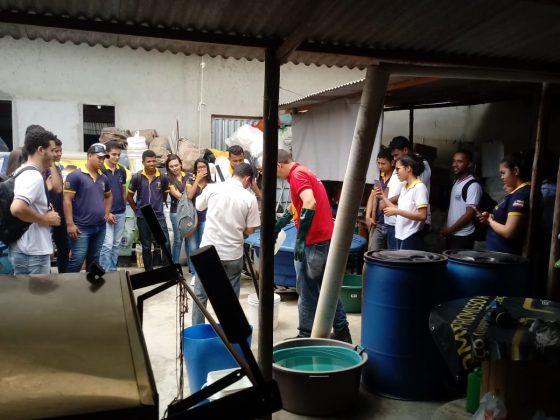 Alunos de Contabilidade do CETEP fazem Visita técnica na AGO – Associação Gota do Óleo 7