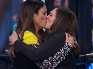 'Baixou a Hebe Camargo': Ivete pede para beijar Susana Vieira no Faustão; assista 41