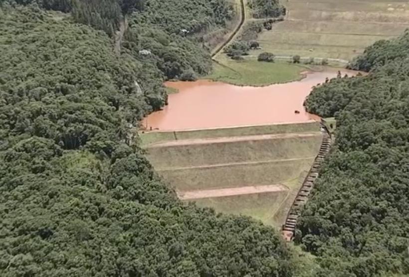 Sirenes tocam e alertam para risco de barragem se romper a qualquer momento em Minas Gerais 20