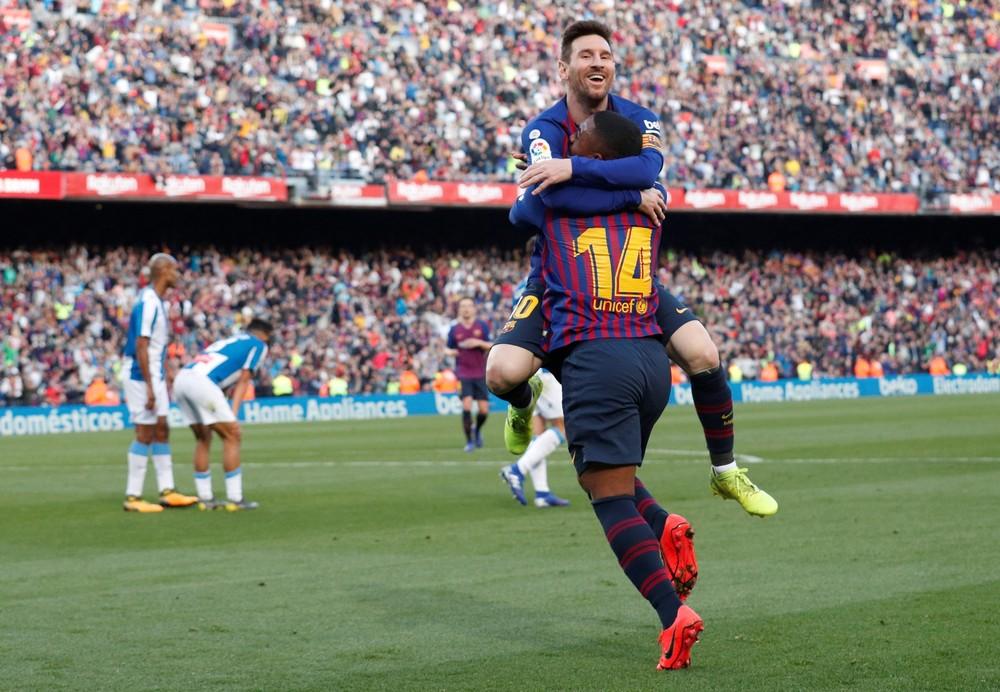 Messi lidera ranking de mais bem pagos, Coutinho é oitavo, e Oscar e Hulk são Top 20 19
