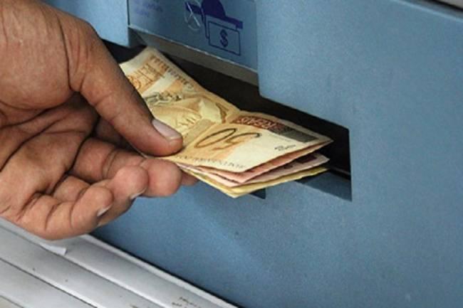 Governo propõe salário mínimo de R$ 1.040 para o próximo ano 1
