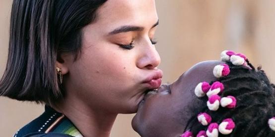 """""""Pretendo adotar"""", diz Bruna Marquezine ao falar sobre maternidade 1"""
