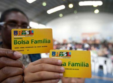 Governo Bolsonaro remodela Bolsa Família; programa terá novo nome e 13º salário 1