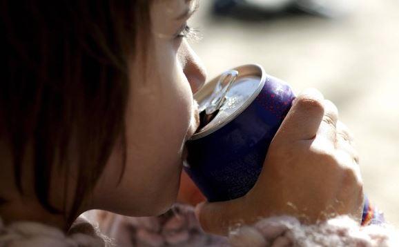 Beber refrigerante envelhece tanto quanto fumar, diz estudo 1