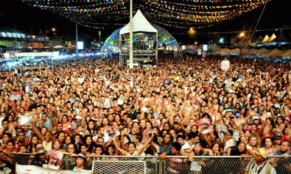 Bandas licitadas em quase 1 milhão de reais para uma festa de três dias; com bem menos que isto poderíamos ter uma saúde digna 1