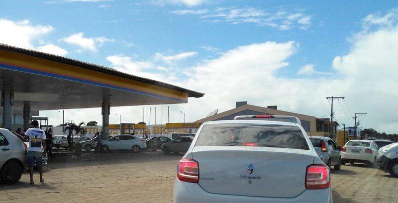 Motoristas protestam contra valor alto da gasolina em Porto Seguro 1