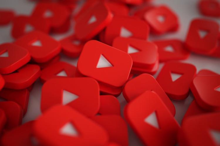 Crianças passam 25 horas por mês no Youtube, revela levantamento 1