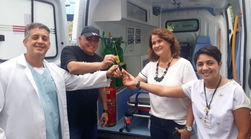 Deputado Jânio Natal entrega ambulância ao hospital regional de Porto Seguro 1