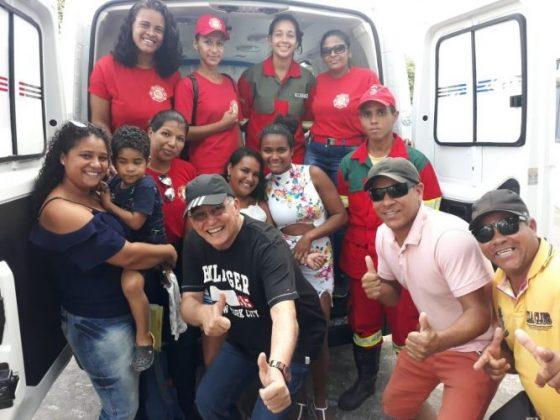 Deputado Jânio Natal entrega ambulância ao hospital regional de Porto Seguro 8