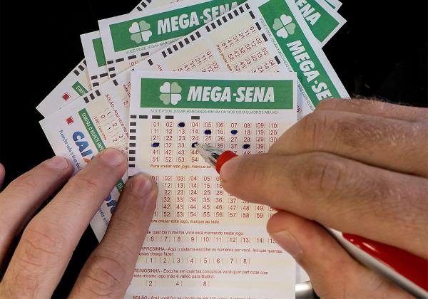 Acumulada pela nona vez, Mega-Sena paga R$ 80 milhões nesta segunda-feira 1