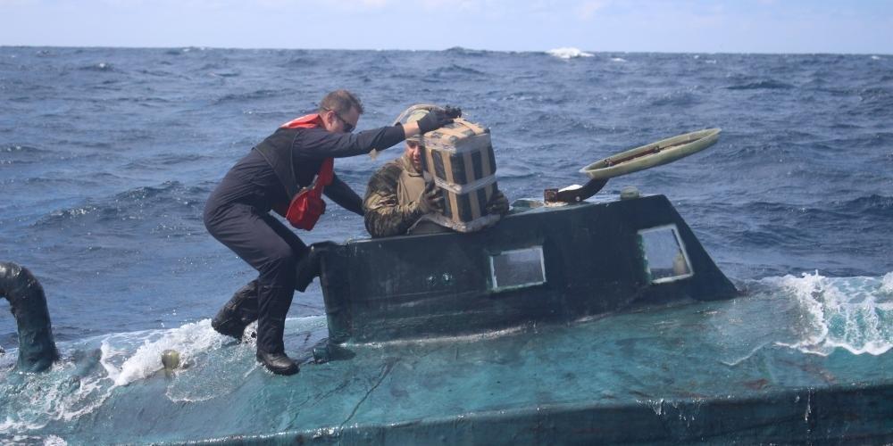 Submarino com 5,4 toneladas de cocaína é apreendido nos Estados Unidos 23