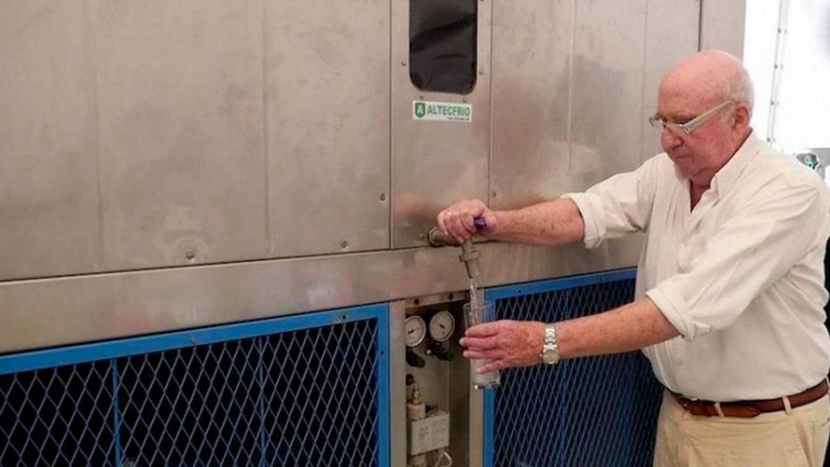 Gerador usa vapor para produzir 3 mil litros de água potável por dia 46