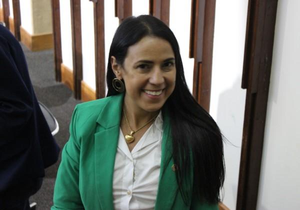 Deputada bolsonarista apresenta projeto para proibir radares móveis na Bahia 1