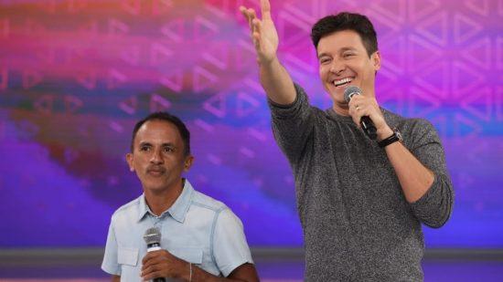 Cachê do cantor de 'Caneta Azul' 'dobra' após sucesso 1