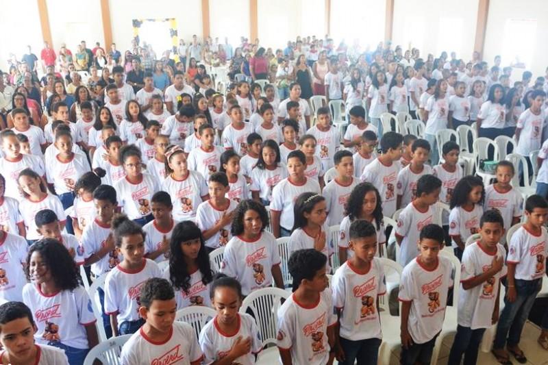 Polícia militar forma 200 alunos no Proerd em Guaratinga 1