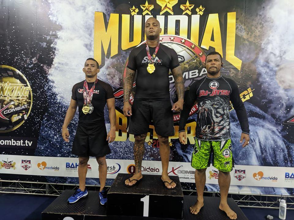 Eunapolitano Tratozinho faz bonito e fatura título mundial de jiu-jitsu. 3