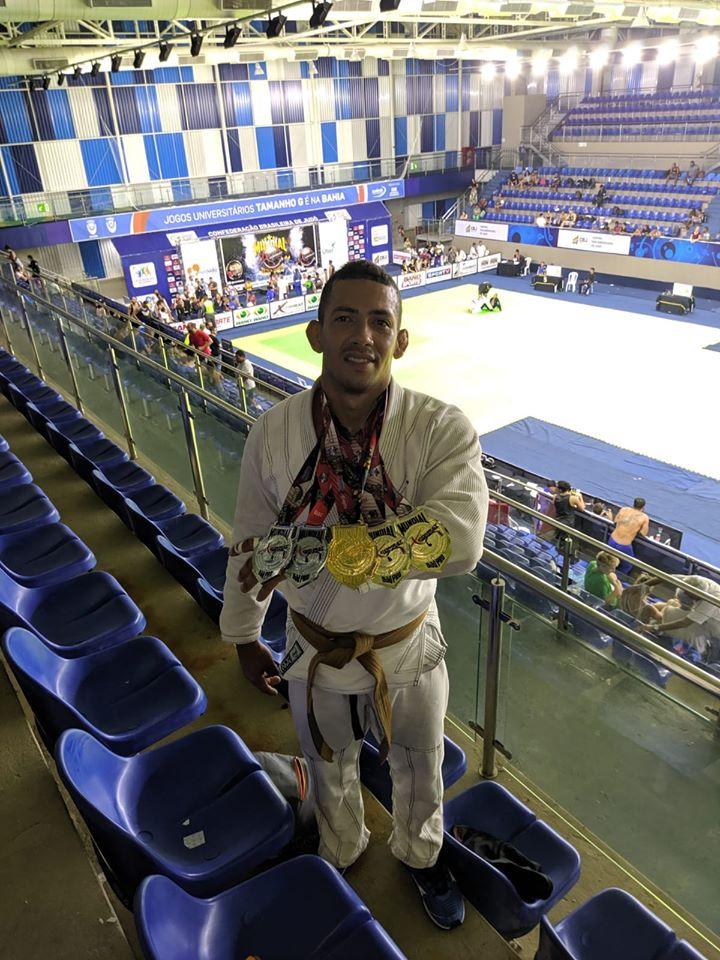 Eunapolitano Tratozinho faz bonito e fatura título mundial de jiu-jitsu. 1