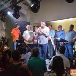 Jânio Natal comemora aniversário ao lado de amigos e familiares ao ritmo da Caneta Azul 79