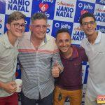 Jânio Natal comemora aniversário ao lado de amigos e familiares ao ritmo da Caneta Azul 149