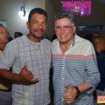 Jânio Natal comemora aniversário ao lado de amigos e familiares ao ritmo da Caneta Azul 185